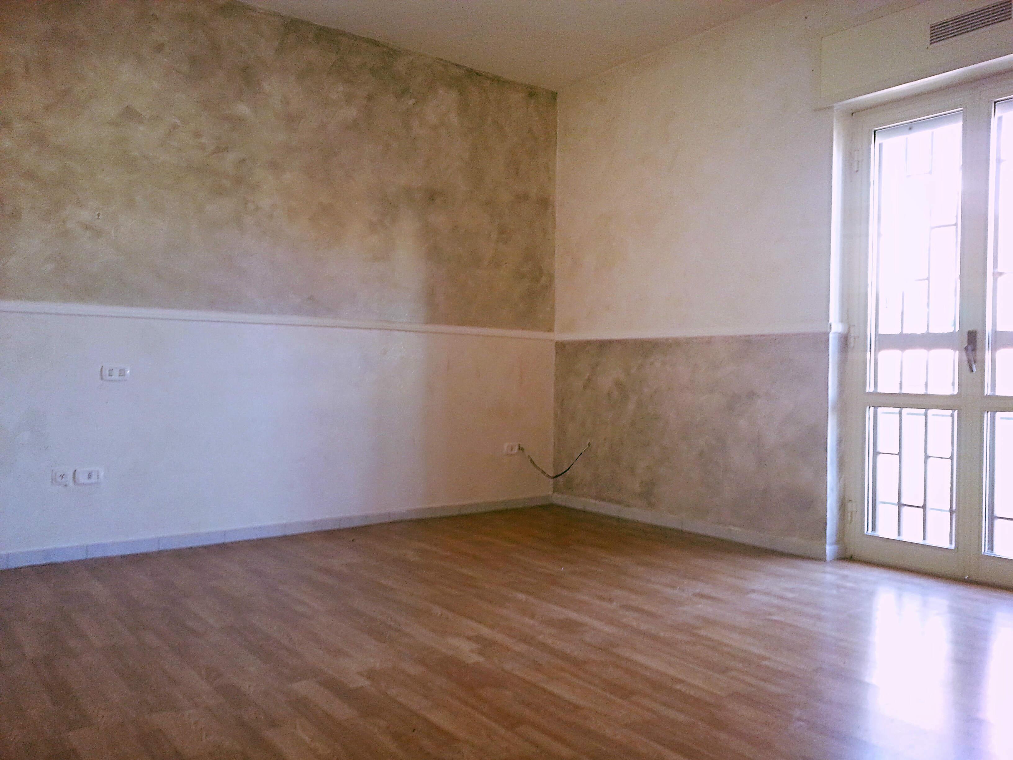 Centrale con p auto in garage a quarto key immobiliare for Garage per auto singola con appartamento