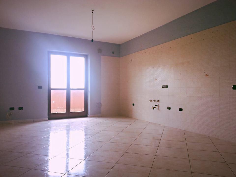 Appartamento con ascensore e box in affitto a Villaricca